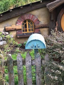 mailbox hobbiton