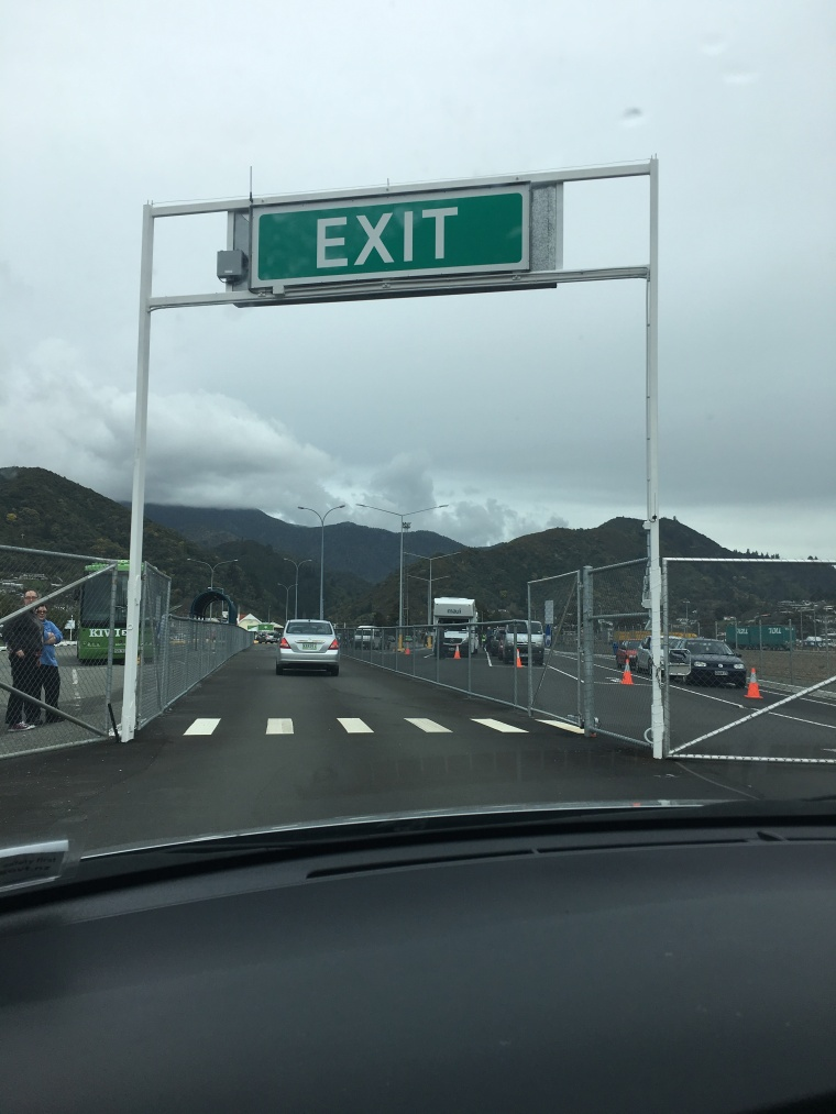 Exit sign to enter south island