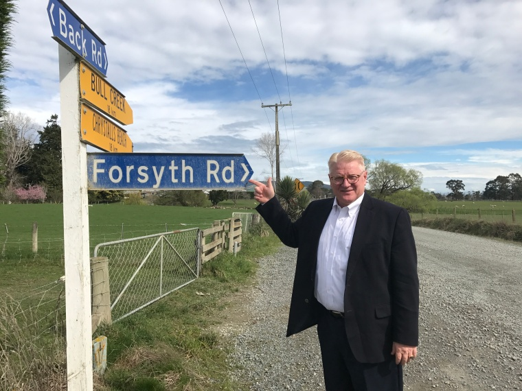 Forsyth road sign Bob