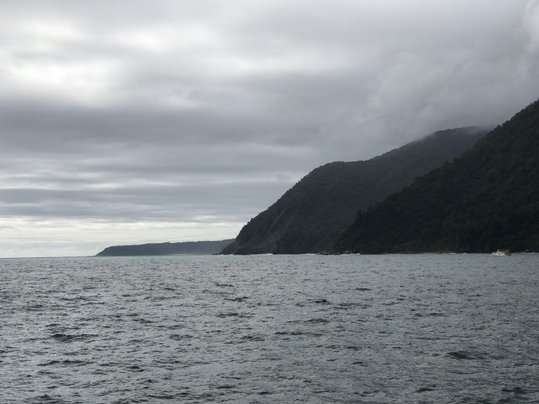MIlford Sound meets ocean